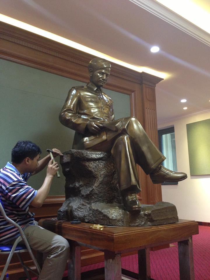 Dịch vụ đúc tượng đồng Nguyễn Chí Thanh